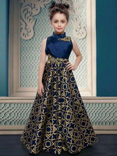 Pakistani Baby Girls Fancy Dresses For Birthday Party, Weddings EStyleOut Girls Fancy Dresses, Gowns For Girls, Little Girl Dresses, Formal Dresses, Kids Fashion Wear, Girl Fashion, Fashion Design, Dress Anak, Kids Frocks