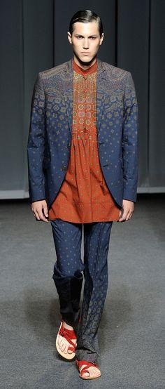Etro | Men's Fashion | Menswear | Men's Outfit for Summer | Moda Masculina | Shop at designerclothingfans.com