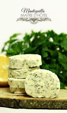 Salmoriglio - LAS SALSAS DE LA VIDA Flavored Butter, Butter Recipe, Salsa Dulce, Compound Butter, Tomato And Cheese, Dips, Salsa Recipe, Feta, Catering