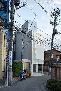 Gallery of House in Nakameguro / Yoritaka Hayashi Architects - 2