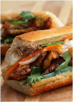 Banh Mi Thit Nuong – Vietnamese Sandwich with Grilled Pork - Recipes Soup And Sandwich, Sandwich Recipes, Pork Recipes, Asian Recipes, Cooking Recipes, Baguette Sandwich, Grilled Recipes, Sandwich Ideas, Barbecue