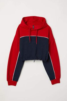 Short top in sweatshirt fabric with a jersey-lined drawstring hood, dropped shoulders and long sleeves with ribbed cuffs. Casual School Outfits, Cute Swag Outfits, Sporty Outfits, Teen Fashion Outfits, Women's Fashion, Hooded Sweatshirts, Hoodies, Outfits Mujer, Champion Sweatshirt