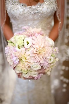 Soft wedding bouquet - Fairy Tale Photography
