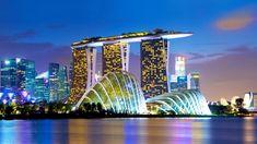 Marina Bay Sands: Tại đây là bạn có thể tham quan Công viên Merlion (nơi có hai trong số năm bức tượng Merlion – biểu tượng của đất nước Singapore). Ngoài ra, bạn có thể chụp ảnh cùng với nhà hát Esplanade, đu quay đứng Singapore Flyer, tòa nhà độc đáo Marina Bay Sands.