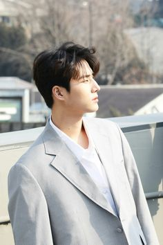 The first international site dedicated to updates about Brian Kang Younghyun (YoungK) since September Degree. Music Rock, New Music, Young K Day6, Kim Wonpil, Young Ones, Pop Bands, K Idols, Boy Groups, Rapper