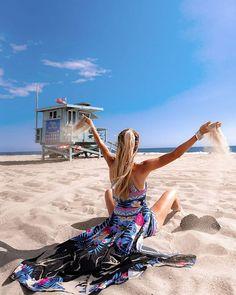 10 Impressive Bikini Model Appearance Woman Sitting On Beach Sand The Beach, City Beach, Santa Monica, Hotel Am Strand, Outfit Strand, Venice City, Muscle Beach, Beach Quotes, Porno