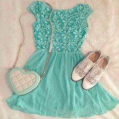 Floral♥ mint dress white shose and bag :) love ♥ Little Dresses, Cute Dresses, Cute Outfits, Teen Fashion, Spring Fashion, Autumn Fashion, Teenager Fashion, Mint Dress, Lace Dress