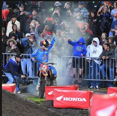 Ryan Dungey Burnout for Crowd.