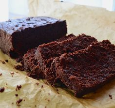 "Vegan Double Chocolate ""Yogurt"" Cake - May I Have That Recipe Hmm, can the oil or sugar be reduced? Vegan Sweets, Healthy Sweets, Vegan Desserts, Delicious Desserts, Kosher Recipes, Raw Food Recipes, Dessert Recipes, Free Recipes, Chocolate Yogurt Cake"