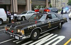 United States Capitol Police A classic 1973 Ford LTD U. Capitol Police cruiser participates in a parade during National Police Week 2012 in Washington D. Old Police Cars, Ford Police, Police Patrol, Us Cars, Sport Cars, Sheriff, Emergency Vehicles, Police Vehicles, Ford Ltd
