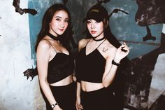 CLAP invited to another installment of the Sneaker Party series at Thonglors electronic dance music hotspot DEMO There was a lucky draw for Balenci. Night Clubs Nyc, Green Background Video, Bars And Clubs, Night Fever, Best Dance, Dance Music, Dark Hair, Night Life, Korean Girl