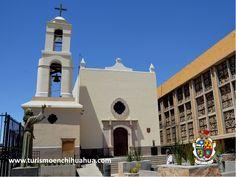 """La Misión de Nuestra Señora de Guadalupe, fue fundado el 8 de diciembre de 1659 por Fray García de San Francisco, comenzando con la evangelización de los indígenas de la zona. Ha sido nombrada """"La Reina de las Misiones"""" por ser la primera en el Paso del Norte. Al sublevarse los indígenas se utilizó como fortaleza y refugio por los españoles de Nuevo México en 1680. Puede admirar sus paredes de adobe, las vigas del techo y pilares de troncos de palma. #visitaciudadjuárez"""