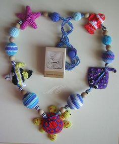 Need to find a pattern. Love Crochet, Beautiful Crochet, Crochet Flowers, Crochet Jewelry Patterns, Crochet Accessories, Textile Jewelry, Fabric Jewelry, Jewellery, Crochet Dolls