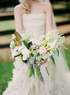 free-form #bouquet by Amy Osaba | Melissa Schollaert #wedding