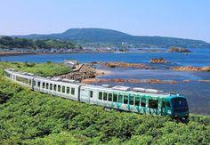 秋田県~青森県を走る人気のローカル列車「リゾートしらかみ橅(ぶな)編成」が19、20日、さいたま市大宮区の鉄道博物館にやってくる。ディーゼルハイブリッドの新型車両で、両県外での展示は初。白神山地のブ…
