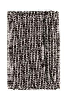 Sauna Towels   Robes – Nordic Saunas   Steam Ltd c06c08fe2