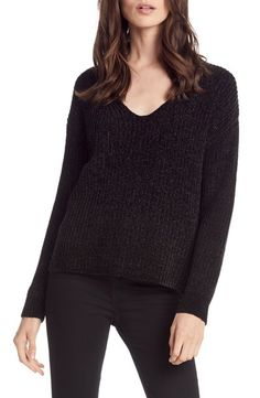 Michael Stars Chenille V-Neck Sweater Holiday Outfits, Fall Outfits, Fashion Outfits, Women's Fashion, Black Sweaters, Sweaters For Women, Black Gucci Belt, Star Wars, Wearing All Black