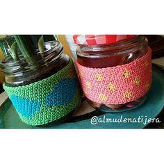 ✂♻ Upcycled. Tengo los botones a buen recaudo  #crochet #ganchillo #ganxet #fetama #hechoamano #eskuzeginda #instamoment #instafoto #instamallorca #igersmallorca #igersbalears #crochetaddict #instacrochet #alcudia #kakorratza #artisautza #artesanía #crochetersofinstagram #crochetlover #handmade #tapestrycrochet #cactus #étnico #geometry #geometría #cosiol#lunares