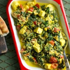 Palak paneer My Cookbook, Palak Paneer, Vegetable Pizza, Guacamole, Quiche, Food And Drink, Healthy Recipes, Healthy Food, Chili