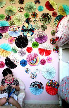 nienie: Paper fans