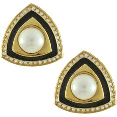 Vintage Christian Dior Triangle Art Deco Crystal Pearl Earrings (23.350 RUB) ❤ liked on Polyvore featuring jewelry, earrings, gioielli, vintage earrings, pearl jewellery, triangular earrings, earrings jewelry and crystal jewelry