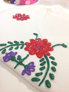 Faux Mexi-Embroidered Shirt - The Crafty Chica Spring Crafts For Kids, Art For Kids, Kid Art, Puffy Paint Designs, Puffy Paint Shirts, Mexican Embroidery, Embroidery Ideas, Paper Plate Crafts, Paper Plates