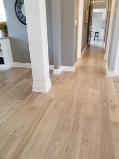 Red Oak Floors, Light Hardwood Floors, Wood Floor Stain Colors, Best Laminate, Home Upgrades, Paint Colors For Home, Home Remodeling, New Homes, House Design