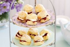 Baby Scones with Jam and Cream from Australia where they really love these treats. Gorgeous presentation for high tea or any time. Basic Scones, Scones And Jam, Mini Scones, Fruit Scones, Savory Scones, Cream Scones, The Draw, Round Cakes, Cream Recipes