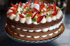 Tort de capsuni cu crema de mascarpone cu vanilie reteta savori urbane