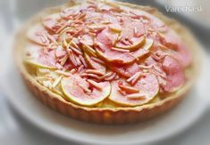 Jablkovo-mandľový koláč - Apple and frangipane tart (fotorecept) - Recept Frangipane Tart, Cabbage, Cupcake, Apple, Vegetables, Food, Apple Fruit, Cupcakes, Essen