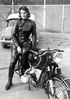 Anke-Eve Goldman, endurance & speed racer 1950's - Vintage BMW Next sport? Hmmmmm.... Love the leather suit!