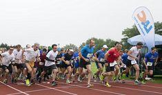 104 Läufer starteten bei Dauerregen beim IT Experts Run in Steyr Steyr, Basketball Court, Running, Sports, Attendance, Rain, Keep Running, Hs Sports, Why I Run