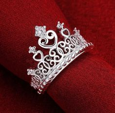 Cheap ring style, Buy Quality ring bracelet directly from China ring size 5 cm Suppliers: Christmas lady special hot new high quality silver plated Crown wedding jewelry cute woman sparkling crystal Crowne ring Tiara Ring, Cute Jewelry, Jewelry Rings, Silver Jewellery, Wedding Jewelry, Wedding Rings, Accesorios Casual, Ring Crafts, Cubic Zirconia Rings