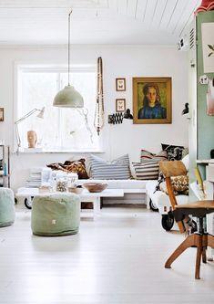 white living room in london cottage #homedecor