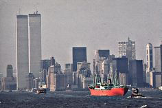 File:WORLD TRADE CENTER (LEFT) AND LOWER HUDSON RIVER SHIPPING ...