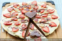 Valentine's Day Brownie Pizza ! from http://recipeland.com/recipe/v/Valentines-Day-Brownie-Pizza-31128