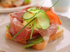 Spekeskinkesmørbrød Tuna, Cantaloupe, Fish, Meat, Fruit, Ethnic Recipes, Beef, The Fruit, Atlantic Bluefin Tuna