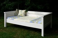Simple Daybed/Farmhouse-Bed-Hybrid   Do It Yourself Home Projects from Ana White