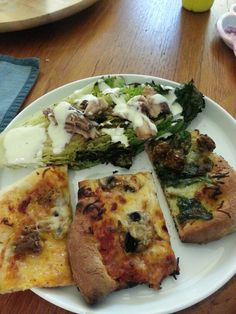 3 pizzas and grilled romaine salad