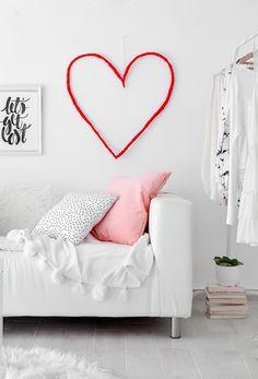 Passion Shake | DIY Valentine's Day Wall He-art | http://passionshake.com