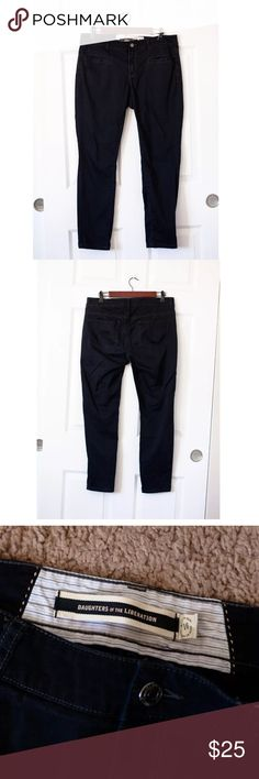 Anthropologie Daughter Liberation Black Crop Pants Gorgeous Anthropologie Daughters of the Liberation Black Zip Crop Pants Chinos Size 10  Inseam: 28   Length: 37 Anthropologie Pants Ankle & Cropped