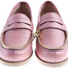 Pink zipper shoes . @Ketomaiss