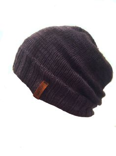 Tagging idea for your own creations- strip of leather sewed onto 'brim' w/ logo. Can probably burn logo onto leather w/ wood-burning tool. Slouchy Beanie, Beanie Hats, Tomboy Fashion, Mens Fashion, Sewing Leather, Ear Warmers, Headgear, White Girls, Girly Things