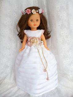 ANILEGRA COSE PARA NANCY: Nancy comunion diseño Anilegra Nº 3 Girl Doll Clothes, Girl Dolls, America Girl, Cat Doll, Madame Alexander, Vintage Dolls, Beautiful Dolls, Barbie, Flower Girl Dresses