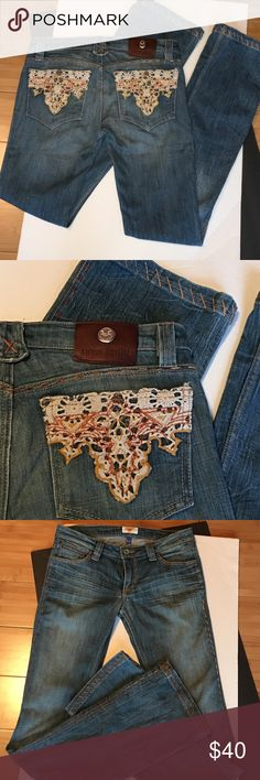 """ANTIK DENIM CROCHET DETAIL Well made beautiful detailed jeans. Bootcut pocket denim with belt loops. Outside boarder ombré thick stitch. Crinkle fade wash. Crochet design on the back pockets. 7.5"""" front rise. 10"""" rear rise. Inseam 33"""". 8"""" boot width. 18"""" hip. 99% cotton 1% spandex. -No trades Antik Denim Jeans Boot Cut"""