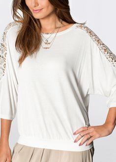 Bluză oversize Un model cu aspect • 49.9 lei • bonprix