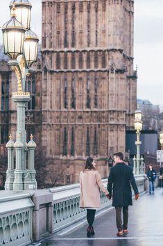 30 Romantic City Photoshoot Couple Ideas