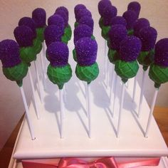 Thistle cakepops for a scottish theme- great idea for favours or for a garden or scottish themed events like scottish wedding