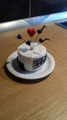 Musik Torte - love is in the air