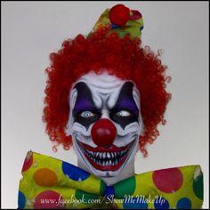 Clown Schminke Frau-Scary Clown MakeUp Tutorial for Halloween Scary Clown Face, Clown Face Paint, Gruseliger Clown, Clown Faces, Maquillage Halloween Clown, Maquillaje Halloween Tutorial, Evil Clown Makeup, Scary Makeup, Costume Halloween